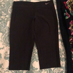 Nike youth cropped leggings